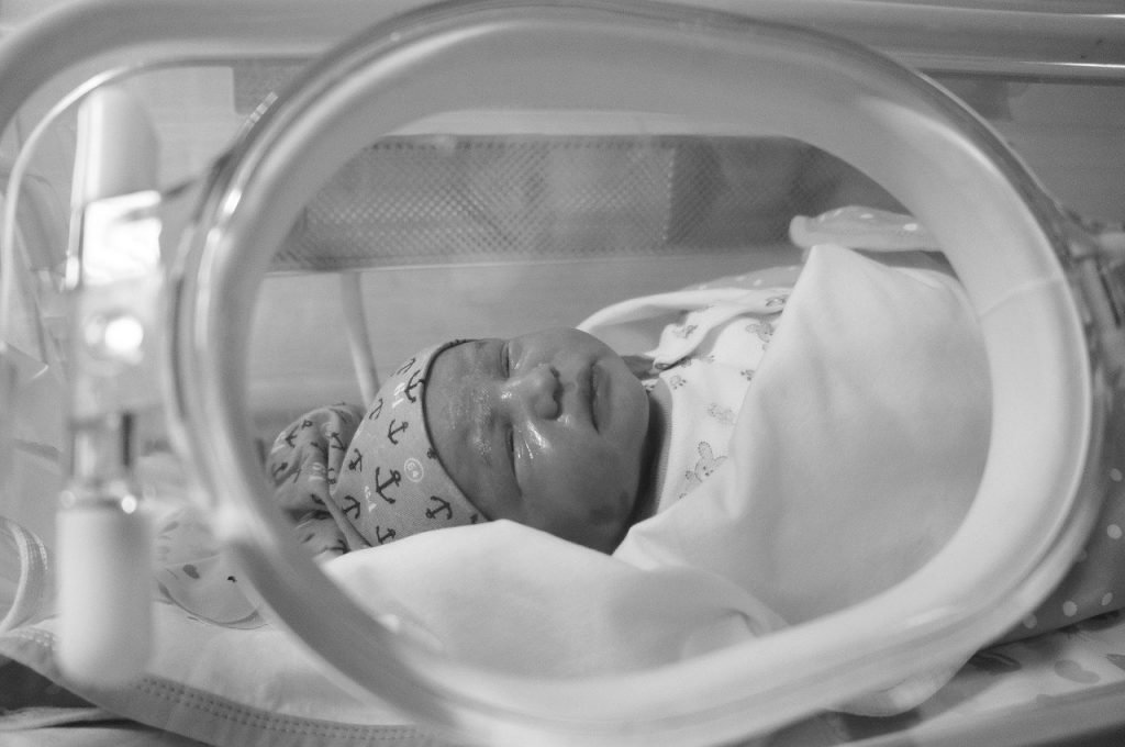Separate isolation unit for baby